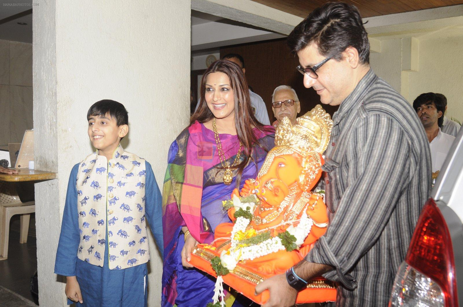 Sonali Bendre's Ganpati Visarjan on 6th Sept 2016