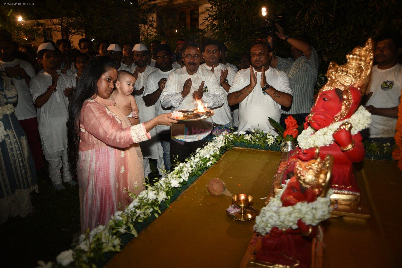 Arpita and Salman's Ganpati Visarjan on 6th Sept 2016