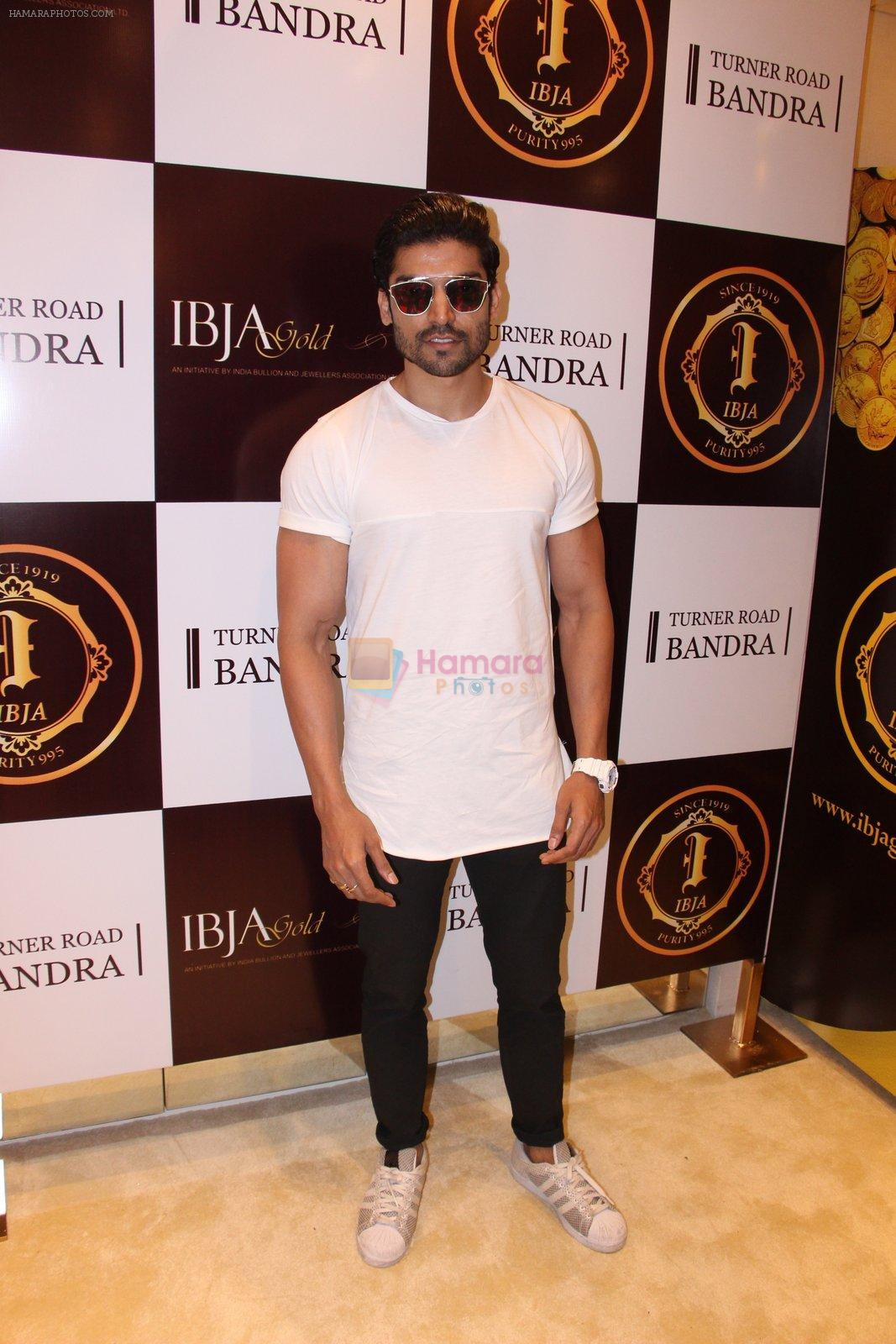 Gurmeet Chaudhary during the launch of India's first customized gold coin store IBJA Gold, in Mumbai on 7th Sept 2016