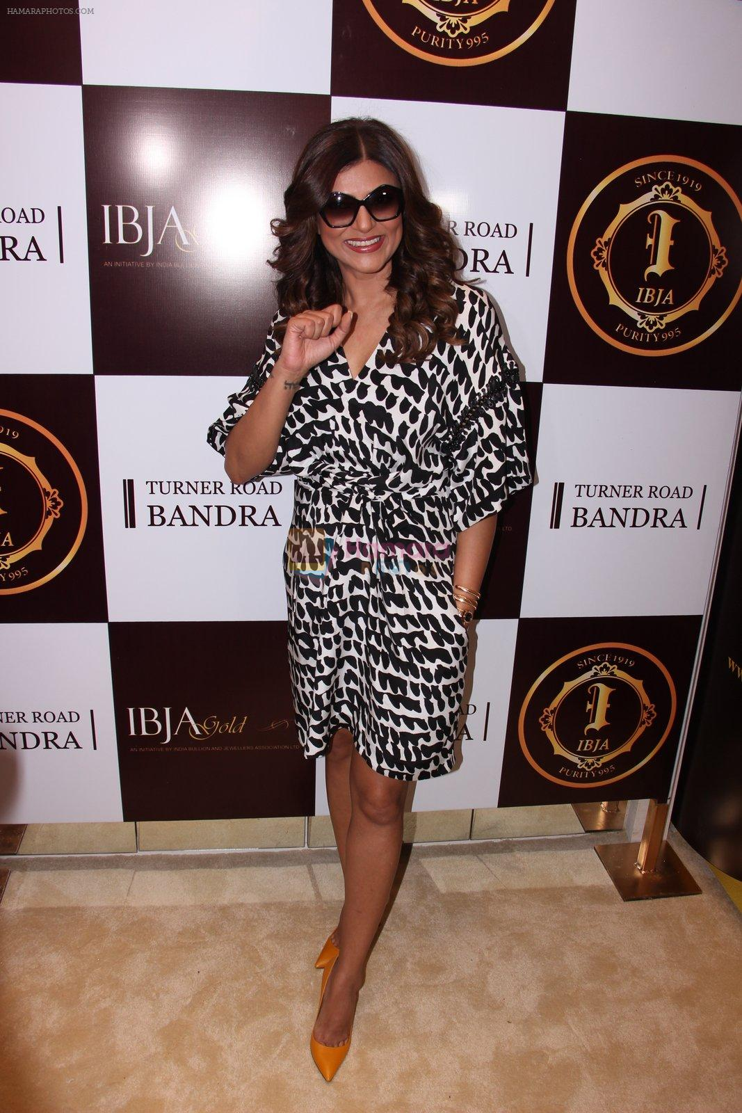 Sushmita Sen during the launch of India's first customized gold coin store IBJA Gold, in Mumbai on 7th Sept 2016