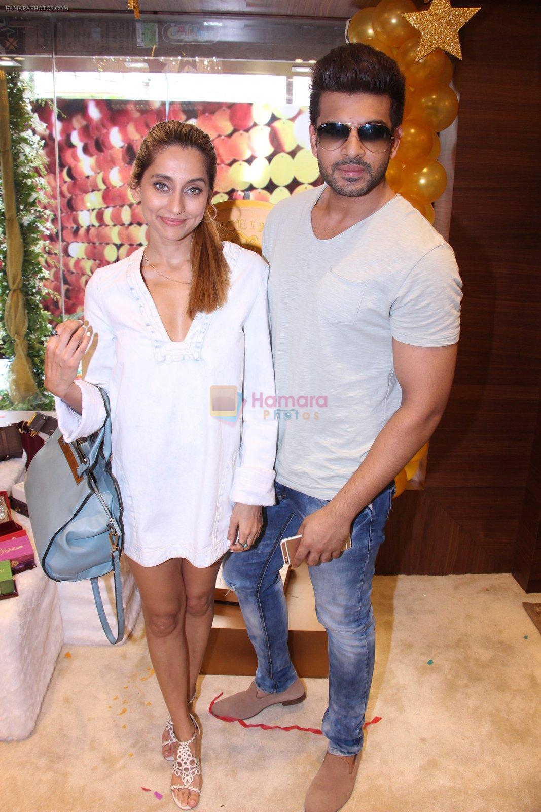 Anusha Dandekar during the launch of India's first customized gold coin store IBJA Gold, in Mumbai on 7th Sept 2016