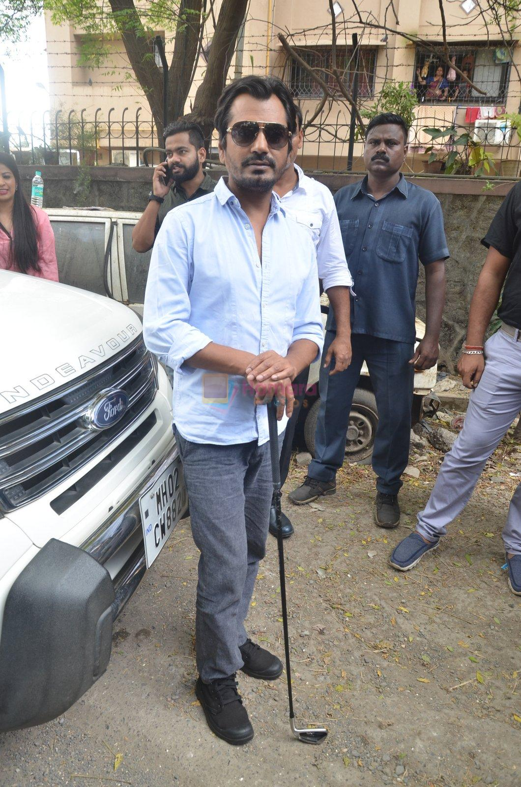 Nawazuddin Siddiqui promote their forthcoming film Freaky Ali by playing golf on the streets of Mumbai on 7th Sept 2016