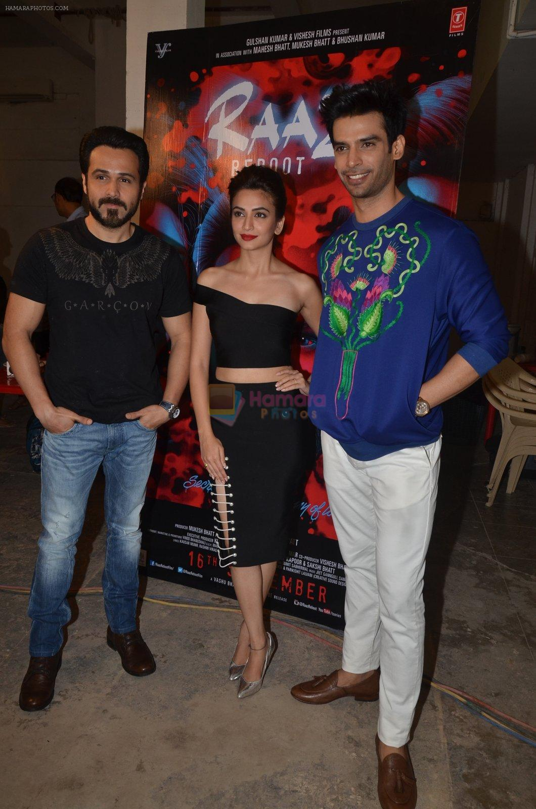 Emraan Hashmi, Kriti Kharbanda, Gaurav Arora at Media meet of Raaz Reboot in Mehboob Studio on 8th Sept 2016