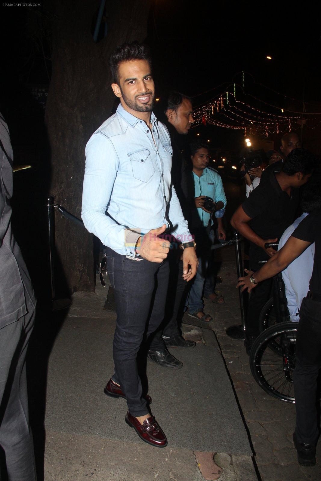 Upen Patel at Raj Kundra's birthday in The Korner House on 8th Sept 2016
