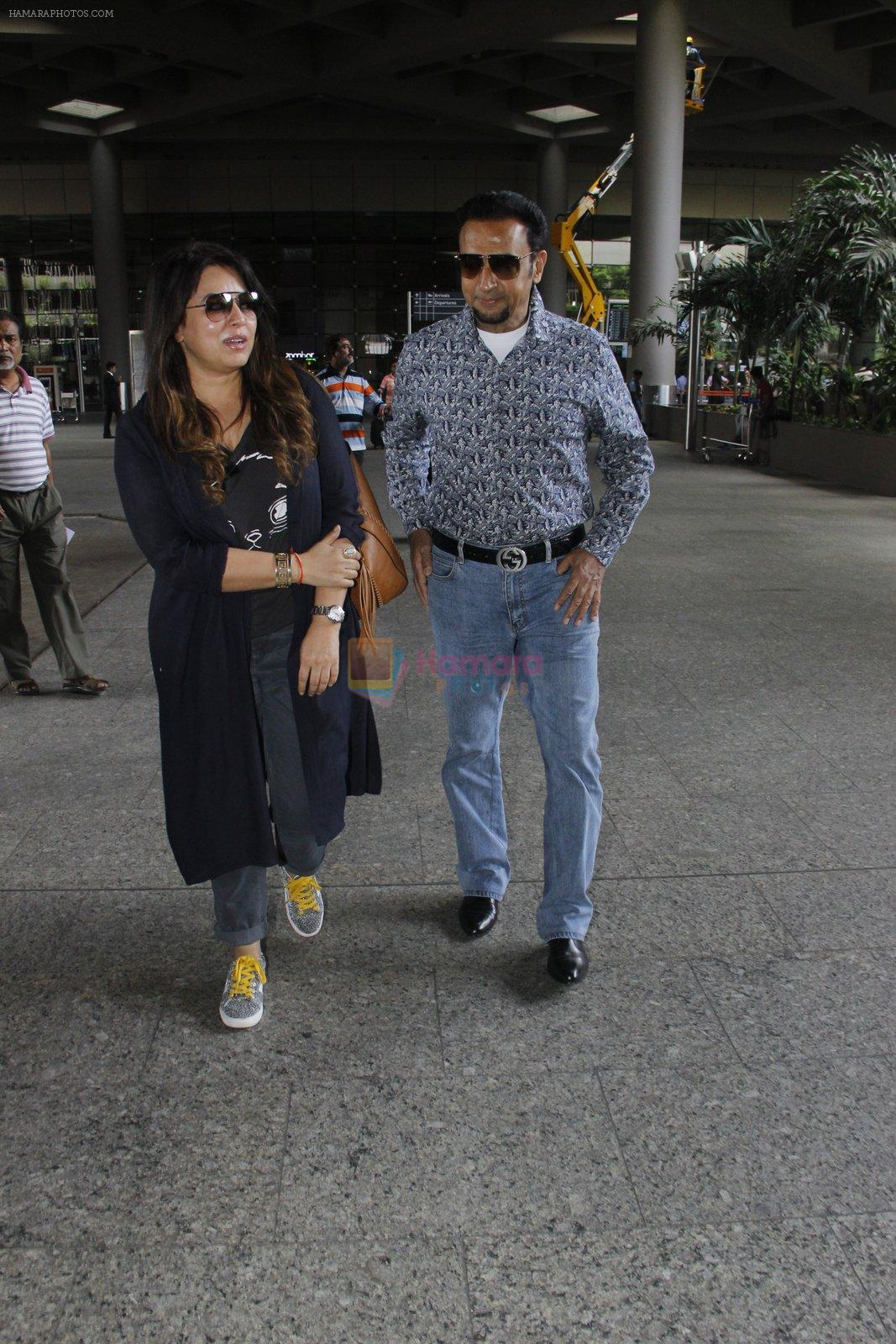 Gulshan Grover snapped at airport on 8th Sept 2016