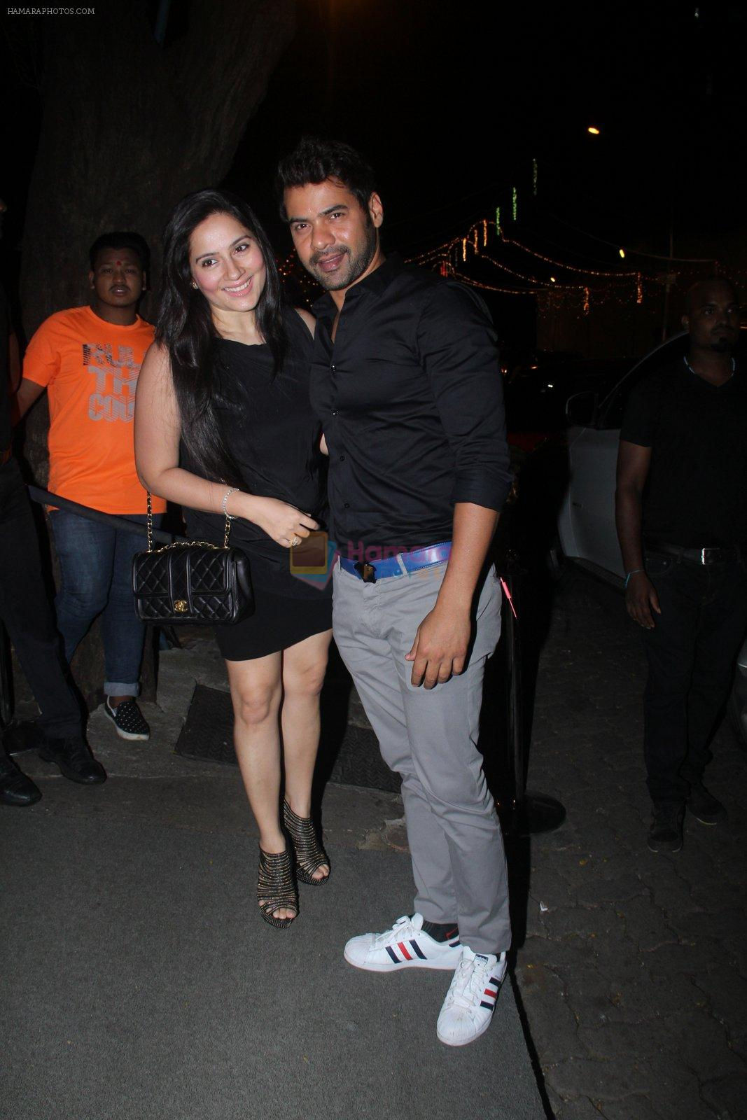 Shabbir Ahluwalia at Raj Kundra's birthday in The Korner House on 8th Sept 2016