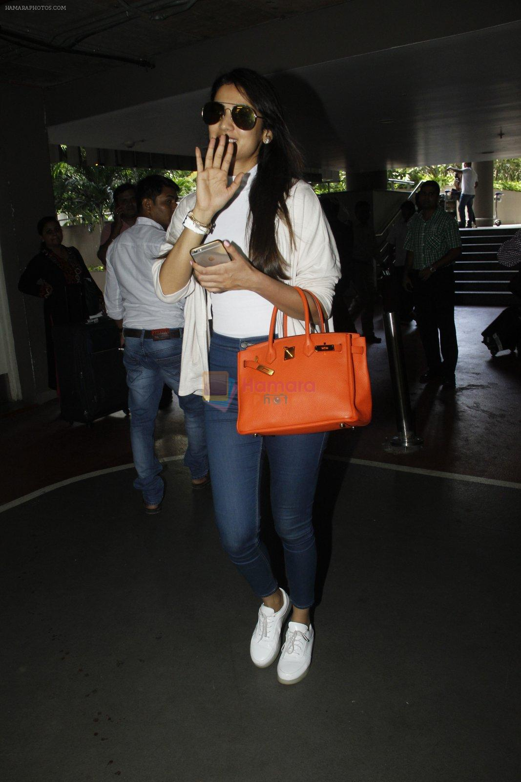 Sonal Chauhan snapped at airport on 9th Sept 2016
