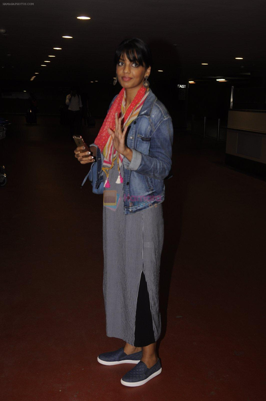 Mugdha Godse snapped at airport on 10th Sept 2016