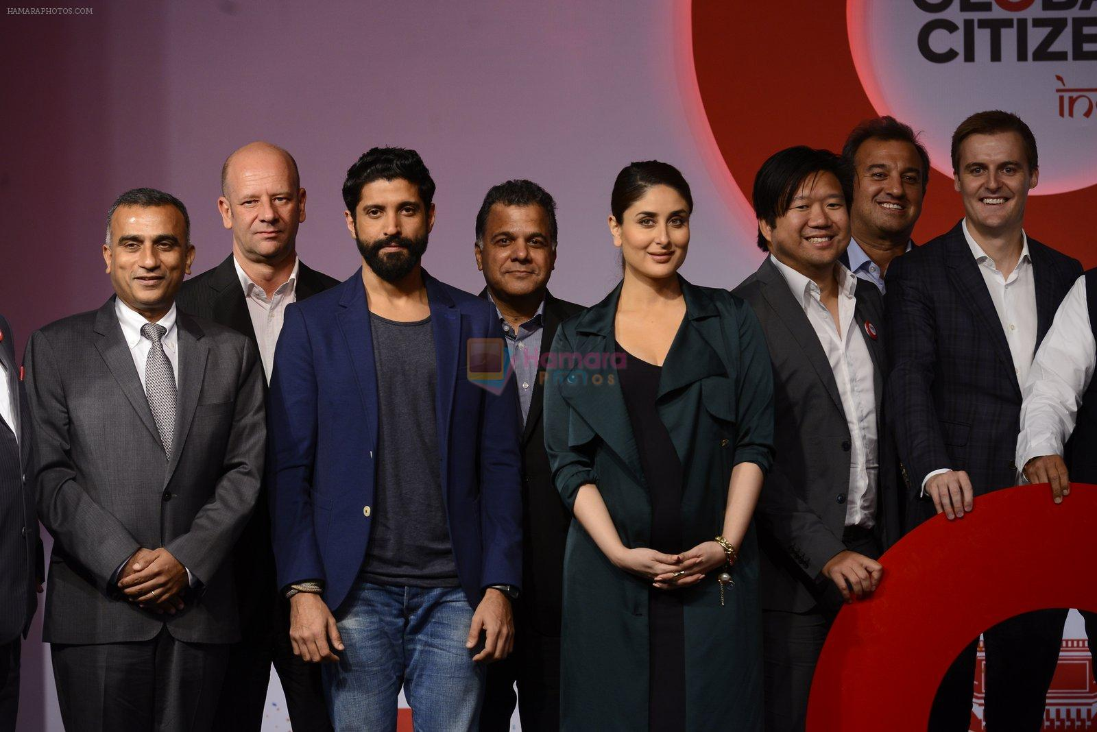 Kareena Kapoor Khan, Farhan Akhtar at the launch of Global Citizen India on 11th Sept 2016