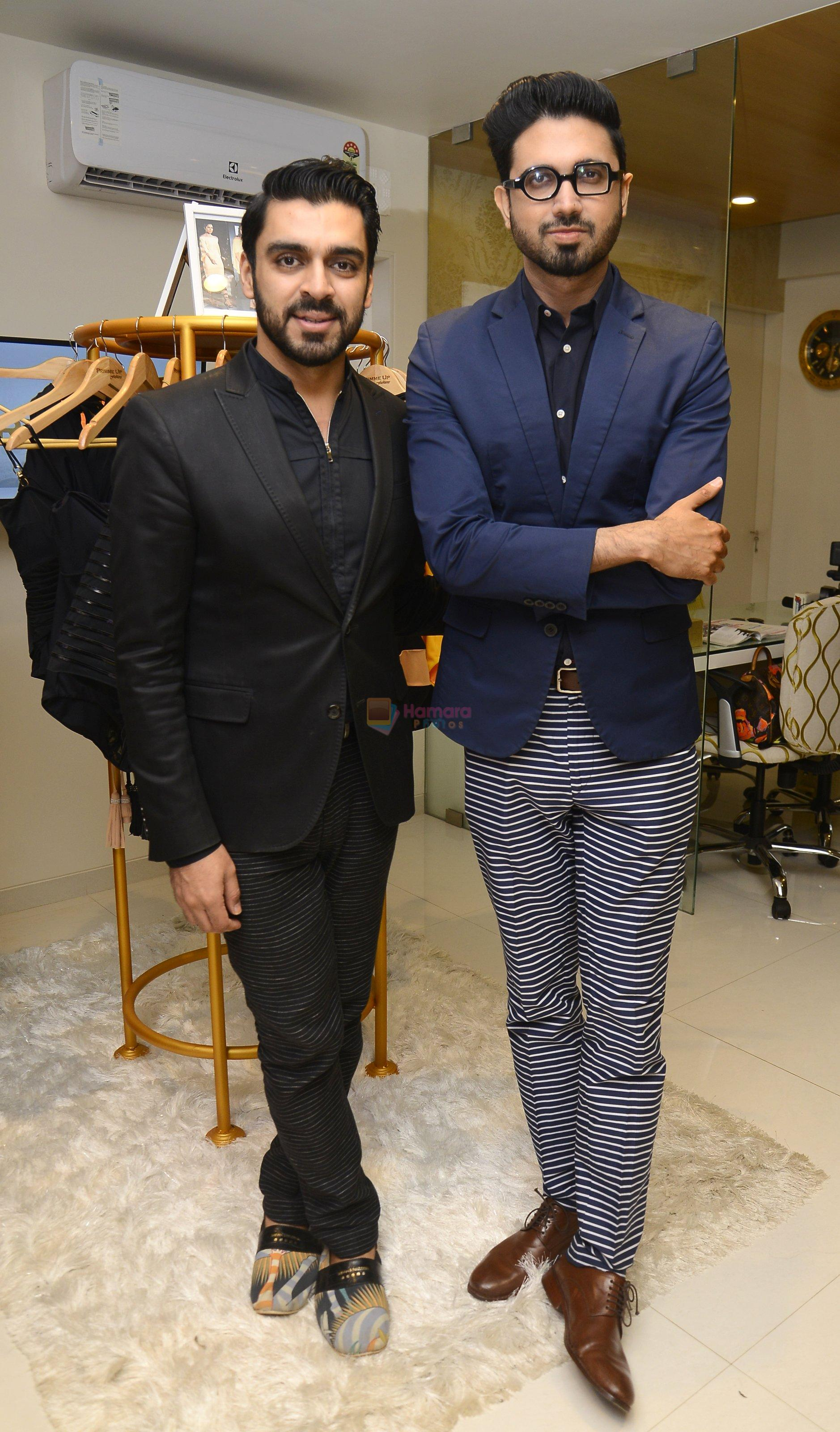 Shivan N Naresh at Shivan N Naresh fashion preview in Primme Up Fashion store on 11th Spt 2016