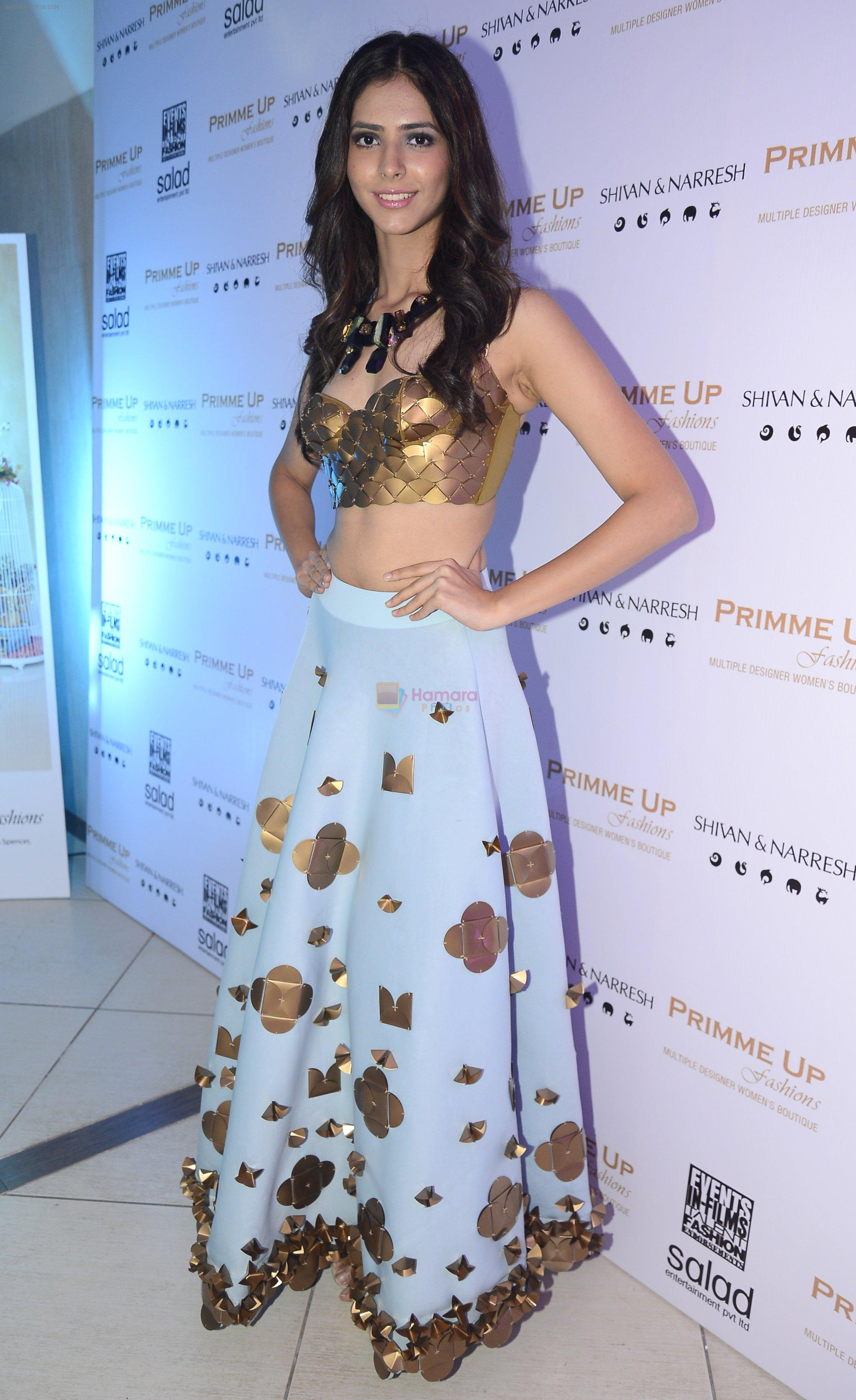 Miss India Pankhuri Gidwani at Shivan N Naresh fashion preview in Primme Up Fashion store on 11th Spt 2016