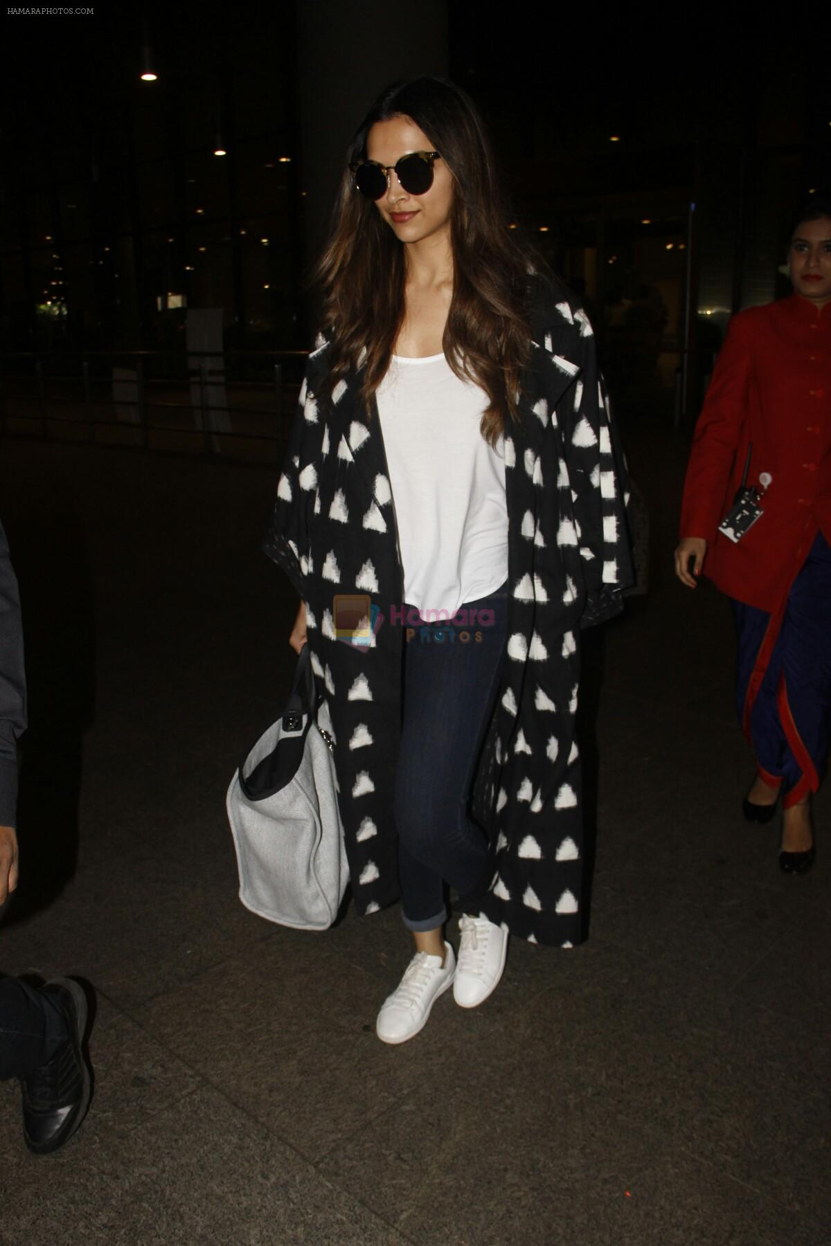 Deepika Padukone snapped at airport on 12th Sept 2016