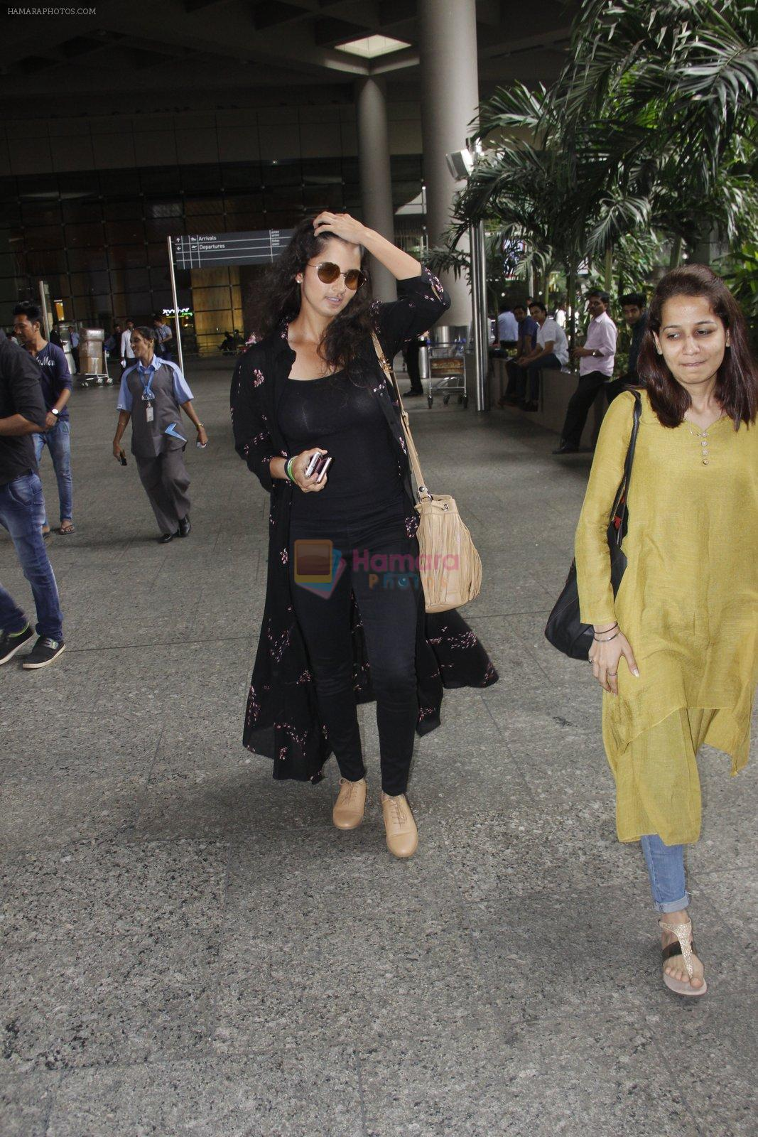 Sania Mirza snapped at airport on 13th Sept 2016