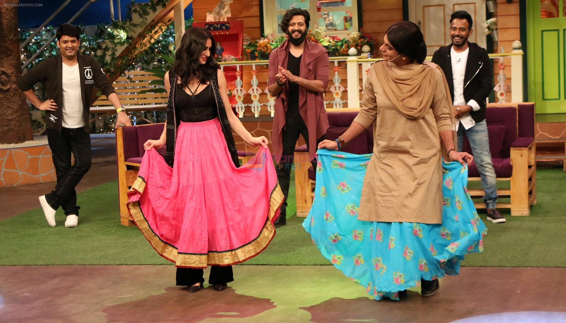 Nargis Fakhri on the sets of The Kapil Sharma Show on 15th Sept 2016