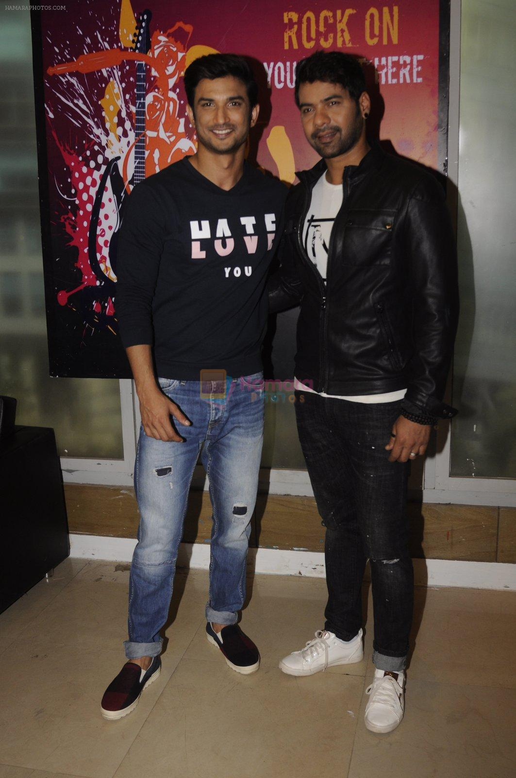 Sushant Singh Rajput promotes M S Dhoni on the sets of Kumkum Bhagya on 15th Sept 2016