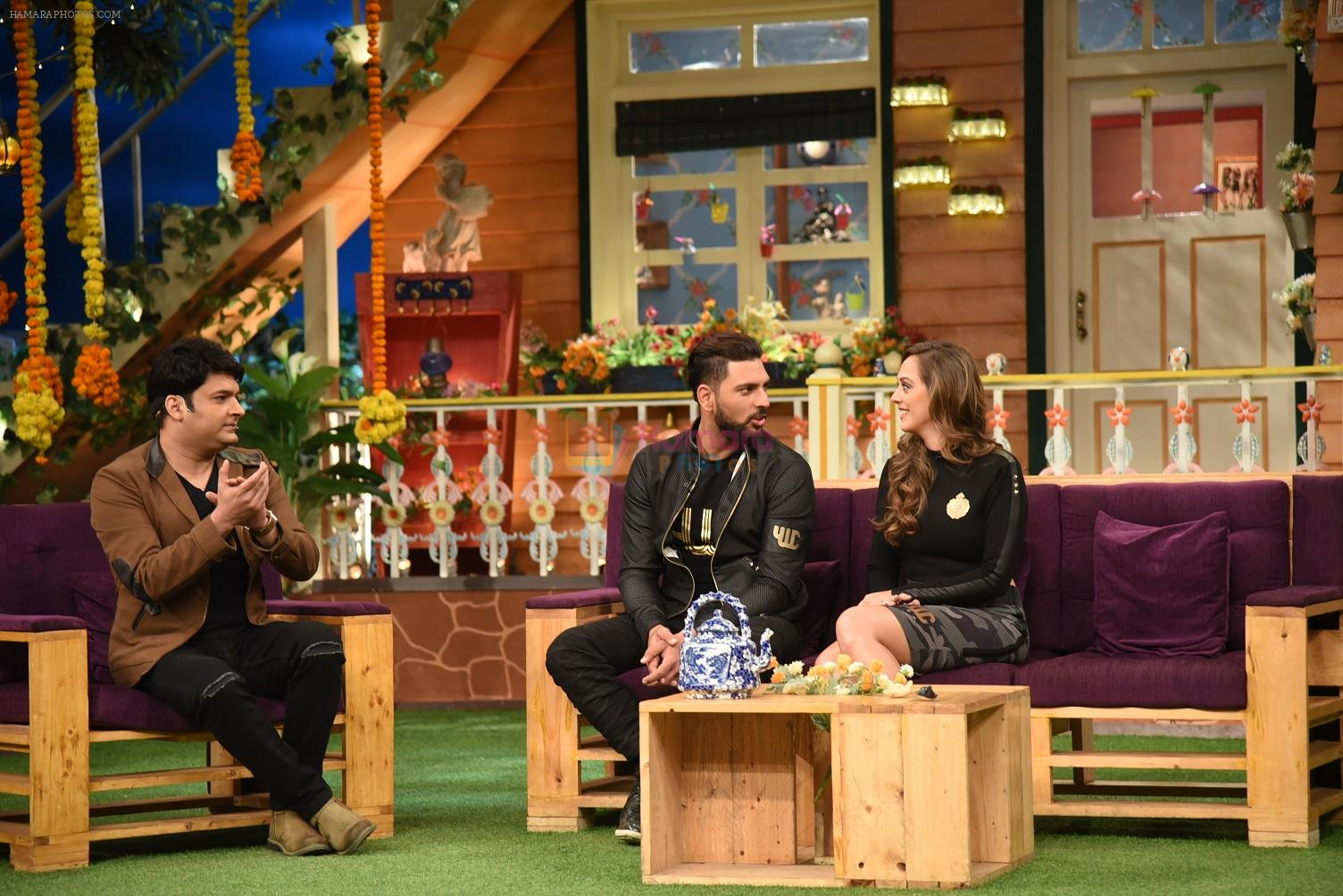 Yuvraj Singh and Hazel Keech on th sets of The Kapil Sharma Show on 18th Sept 2016