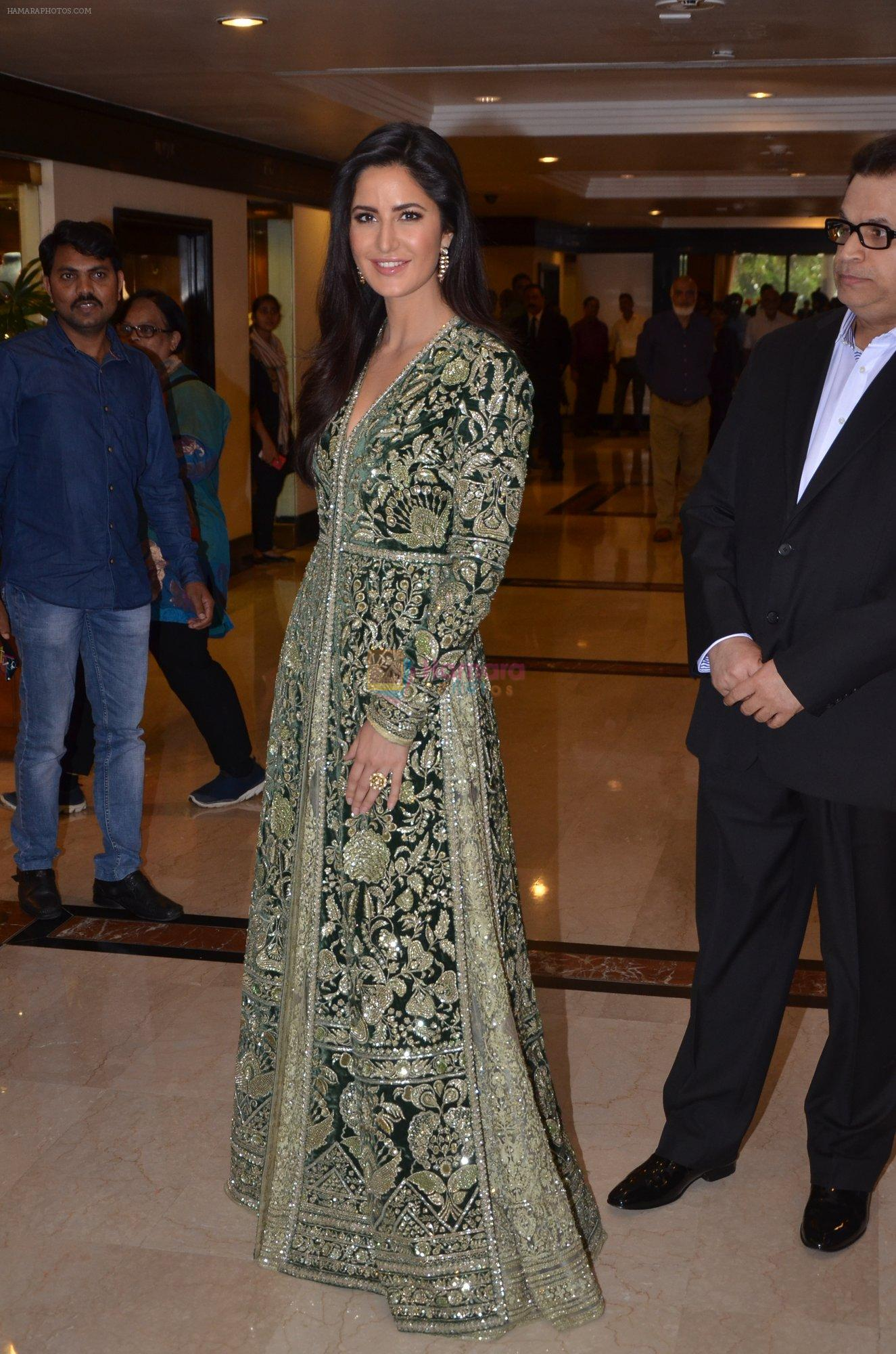 Katrina Kaif at Priyadarshni Award on 19th Set 2016