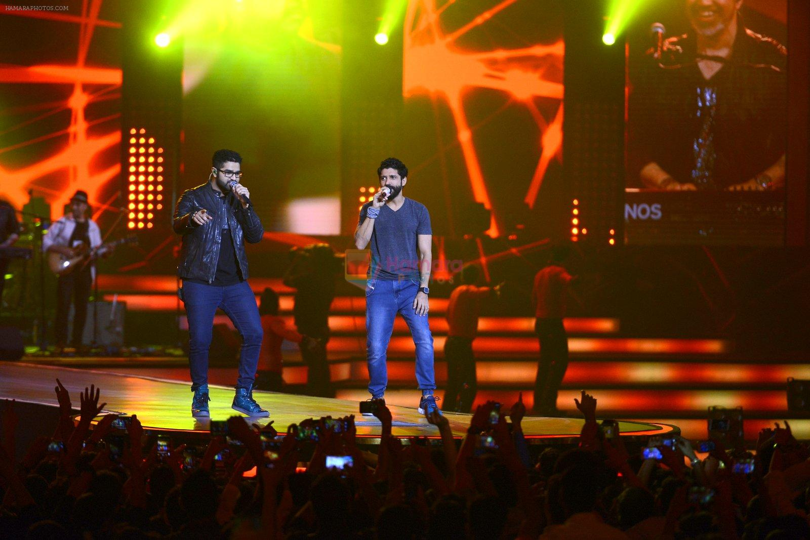 Farhan Akhtar at Rock on 2 concert on 17th Sept 2016