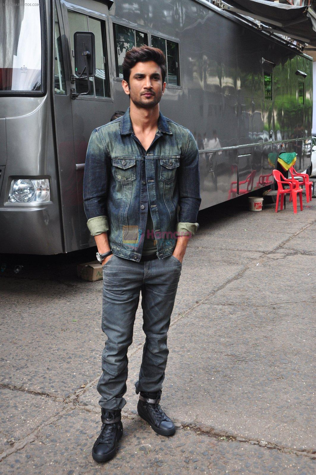 Sushant Singh Rajput on the sets of The Voice of India on 19th Sept 2016