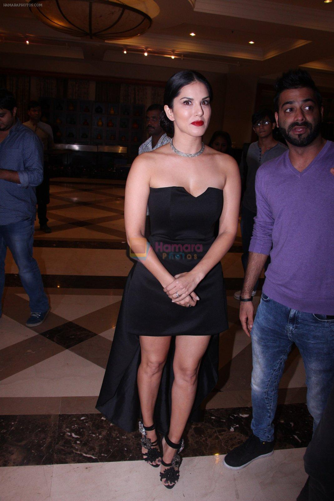 Sunny Leone at the launch of film Fuddu song, Tu Zaroorat Nahi Tu Zaroori Hai on 20th Sept 2016
