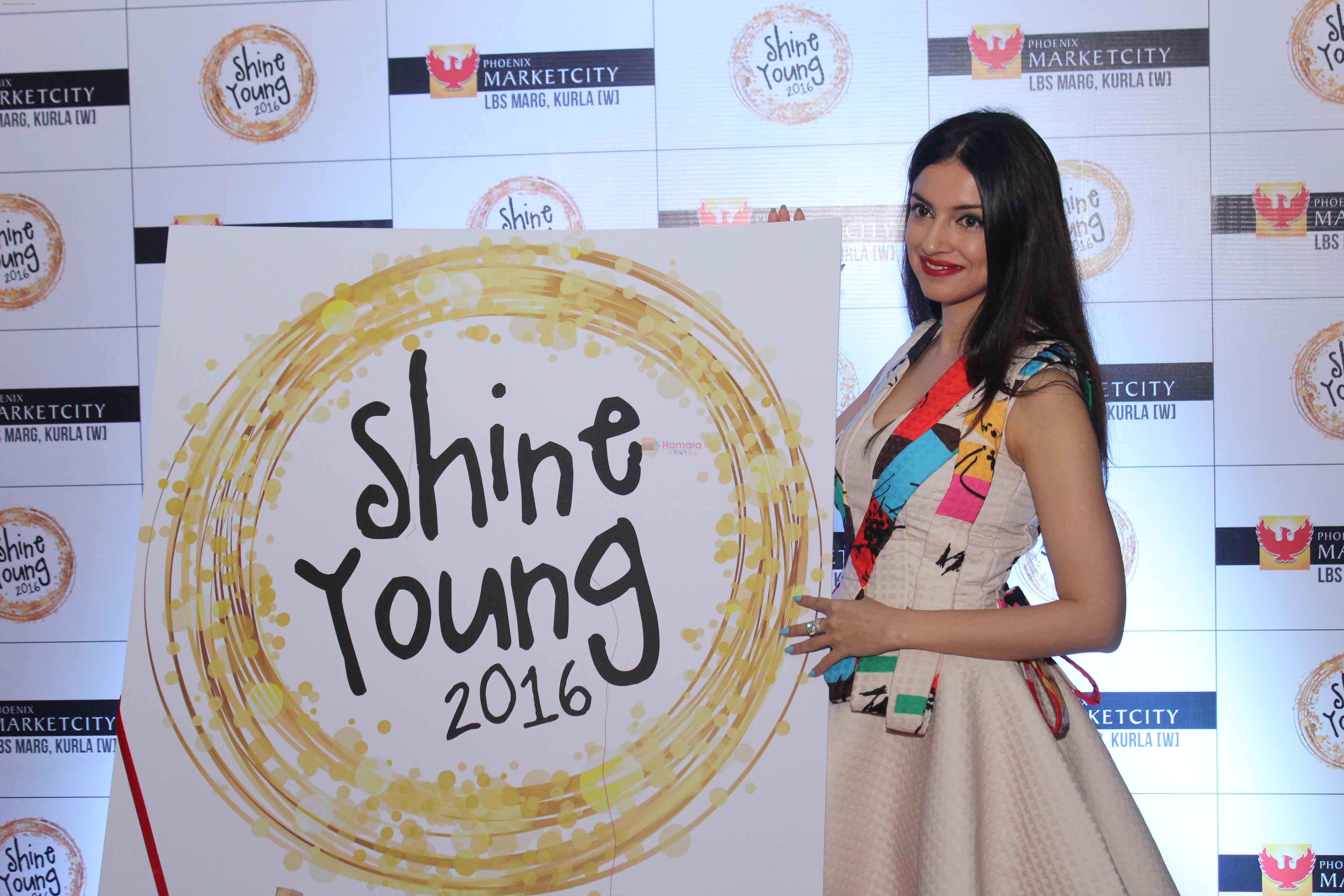 Divya Khosla at Young Shine 2016 Launch1