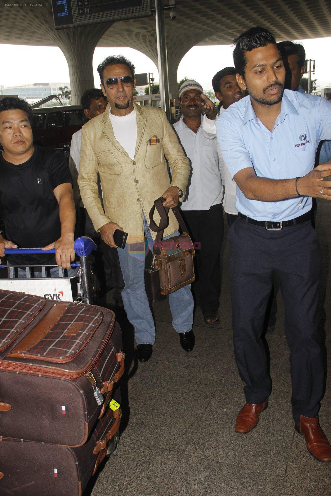Gulshan Grover snapped at airport on 22 Sept 2016