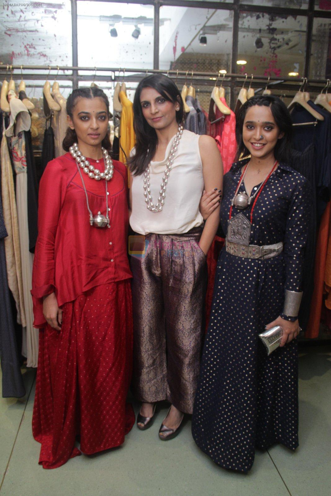 Radhika Apte, Sayani Gupta unveil Festive Edit of new Luxury Pret label AMOH by Designers Monica & Karishma of JADE on 26th Sept 2016