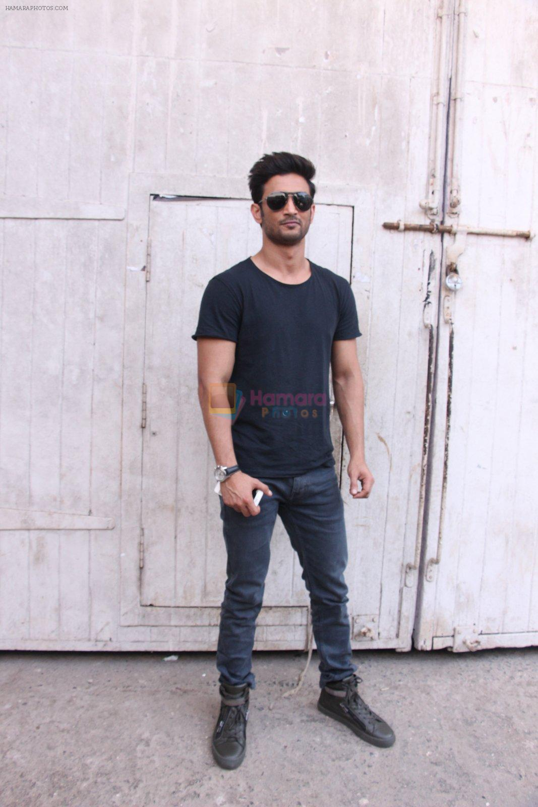 Sushant Singh Rajput At Mehboob Studio Bandra on 29th Sept 2016
