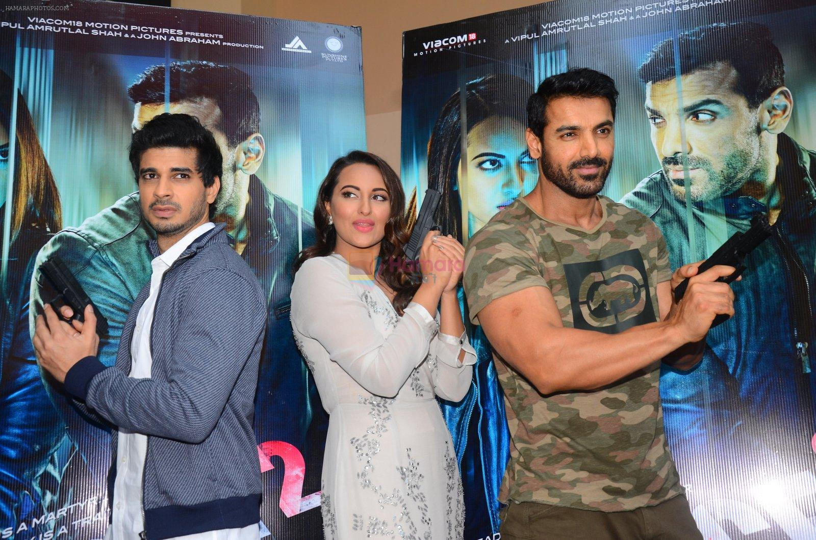 John Abraham, Sonakshi Sinha, Tahir Bhasin at Force 2 trailer launch in Mumbai on 29th Sept 2016