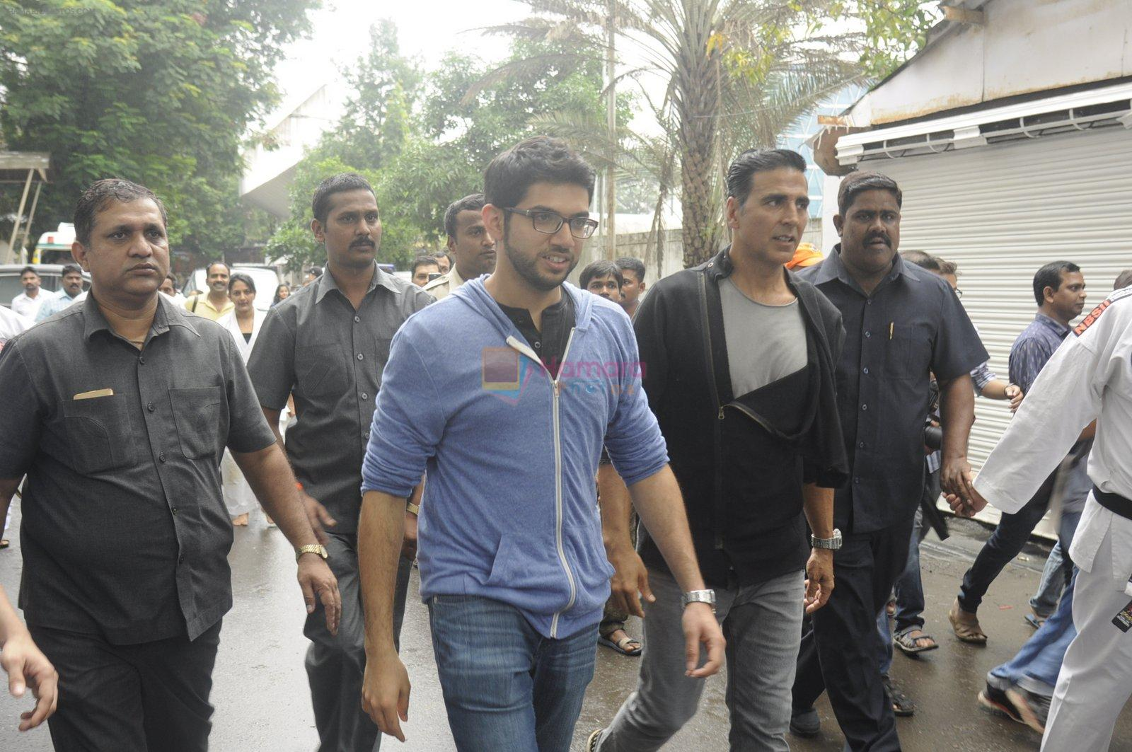 Aditya Thackeray, Akshay Kumar for prize distribution for female martial arts for self defense course on 2nd Oct 2016