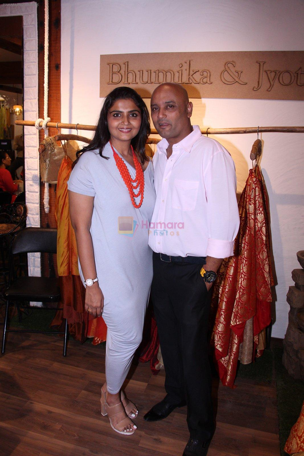 at Bhumika and Jyoti fashion preview on 1st Oct 2016