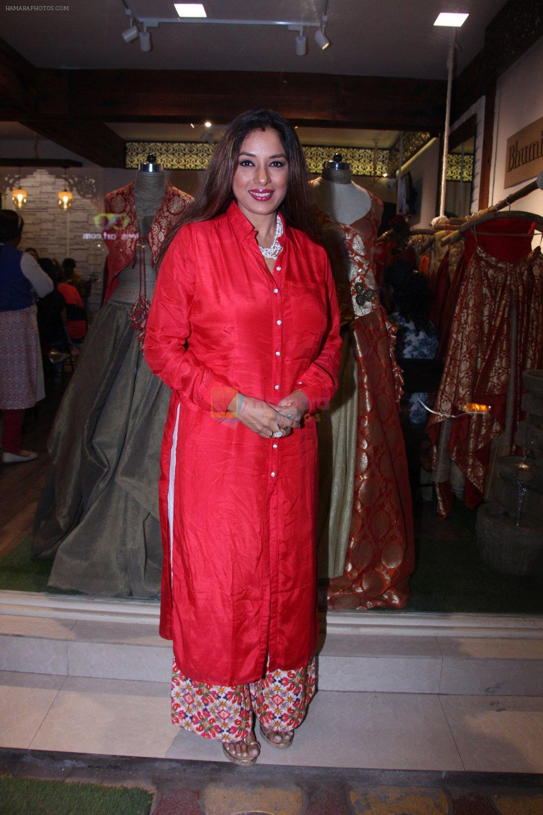 Rupali Ganguly at Bhumika and Jyoti fashion preview on 1st Oct 2016