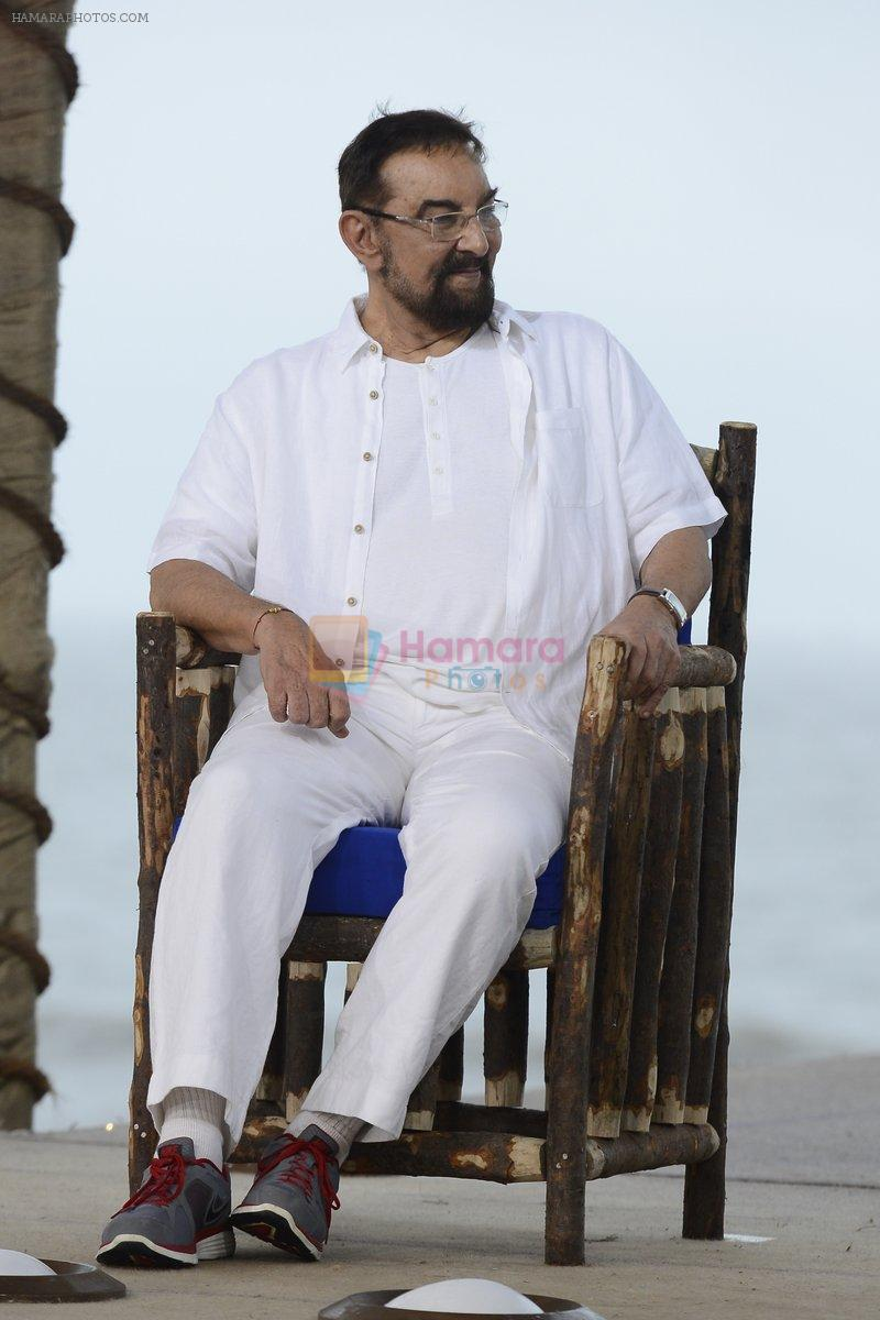 Kabir Bedi at NDTV Cleanathon campaign in Juhu Beach on 2nd Oct 2016