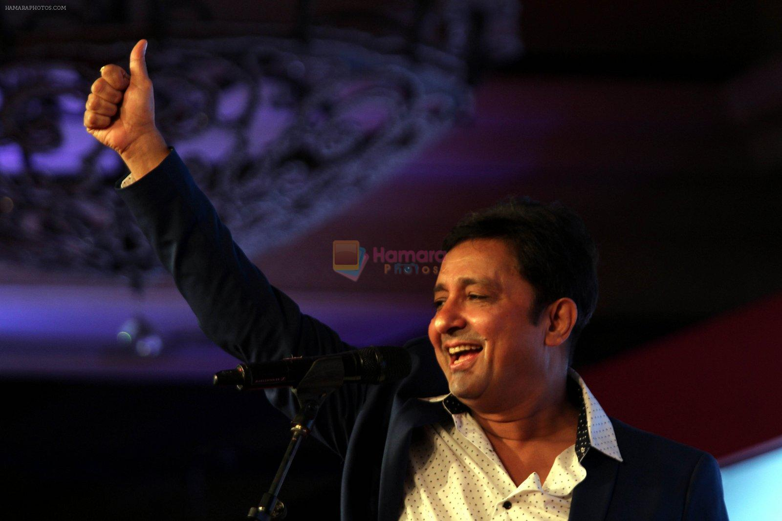 Sukhwinder Singh,Noted singer, at  the India Today safaigiri Award winner at a function in New Delhi on Sunday -3
