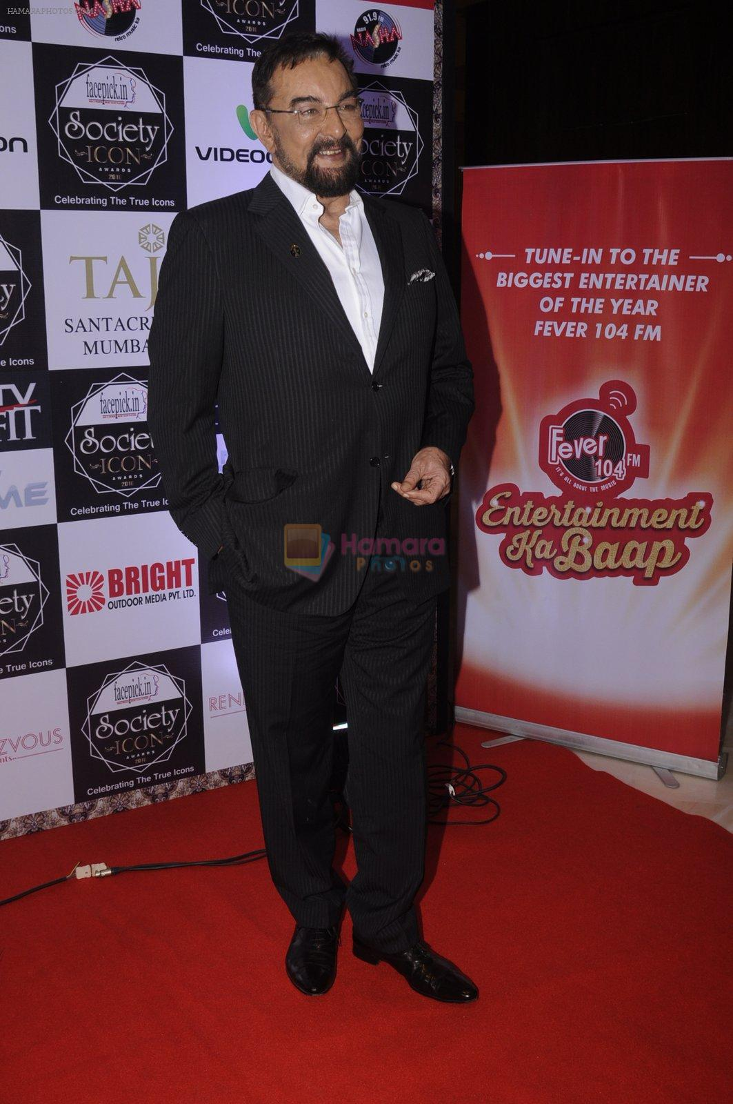Kabir Bedi at Society Icon Awards on 2nd Oct 2016