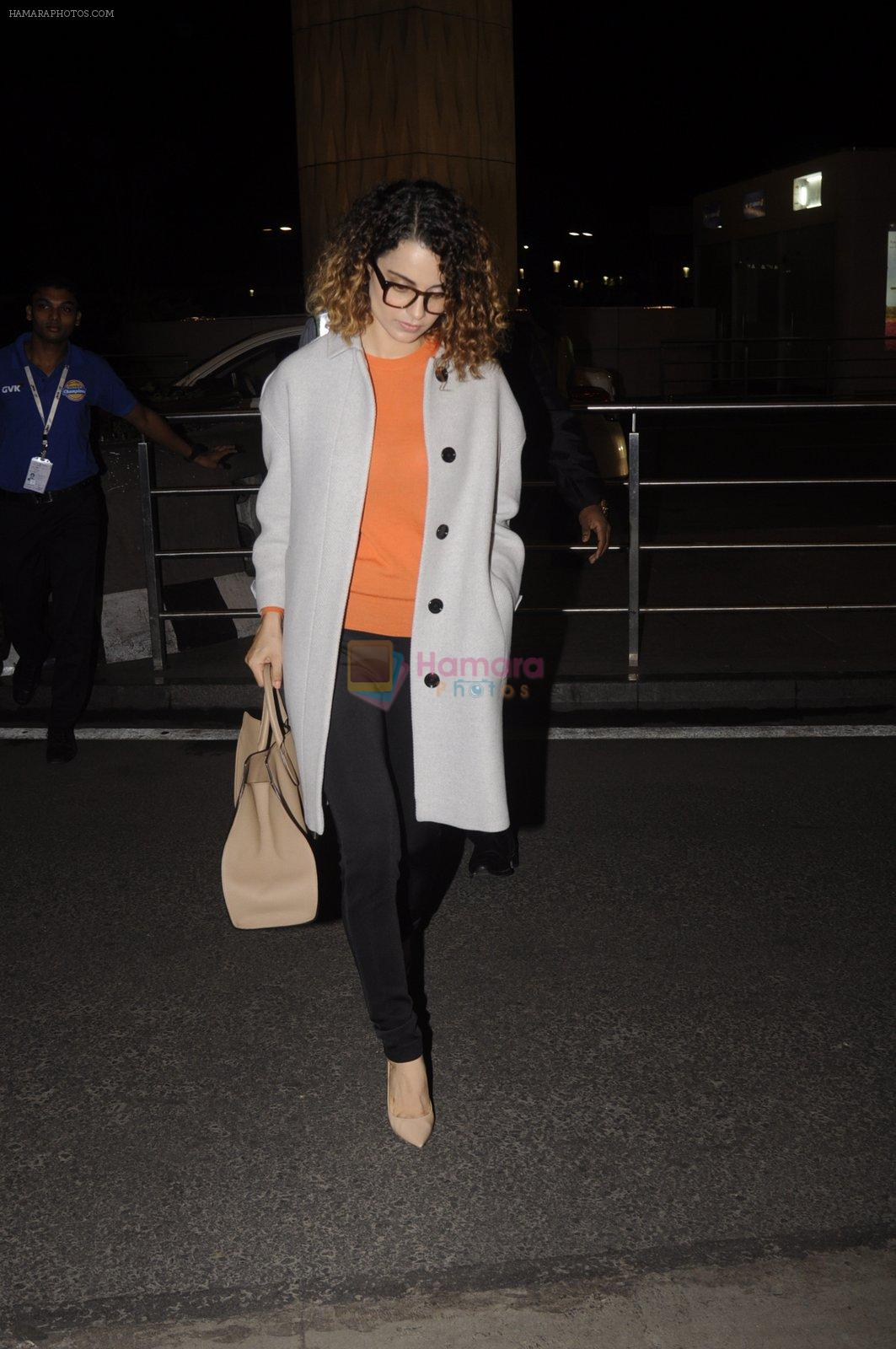 Kangana Ranaut leaves for 2 month to usa for simean movie shoot on 3rd Oct 2016
