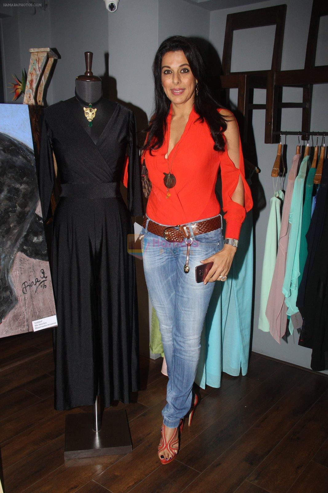 Pooja Bedi at Amy Billimoria's preview in Mumbai on 4th Oct 2016