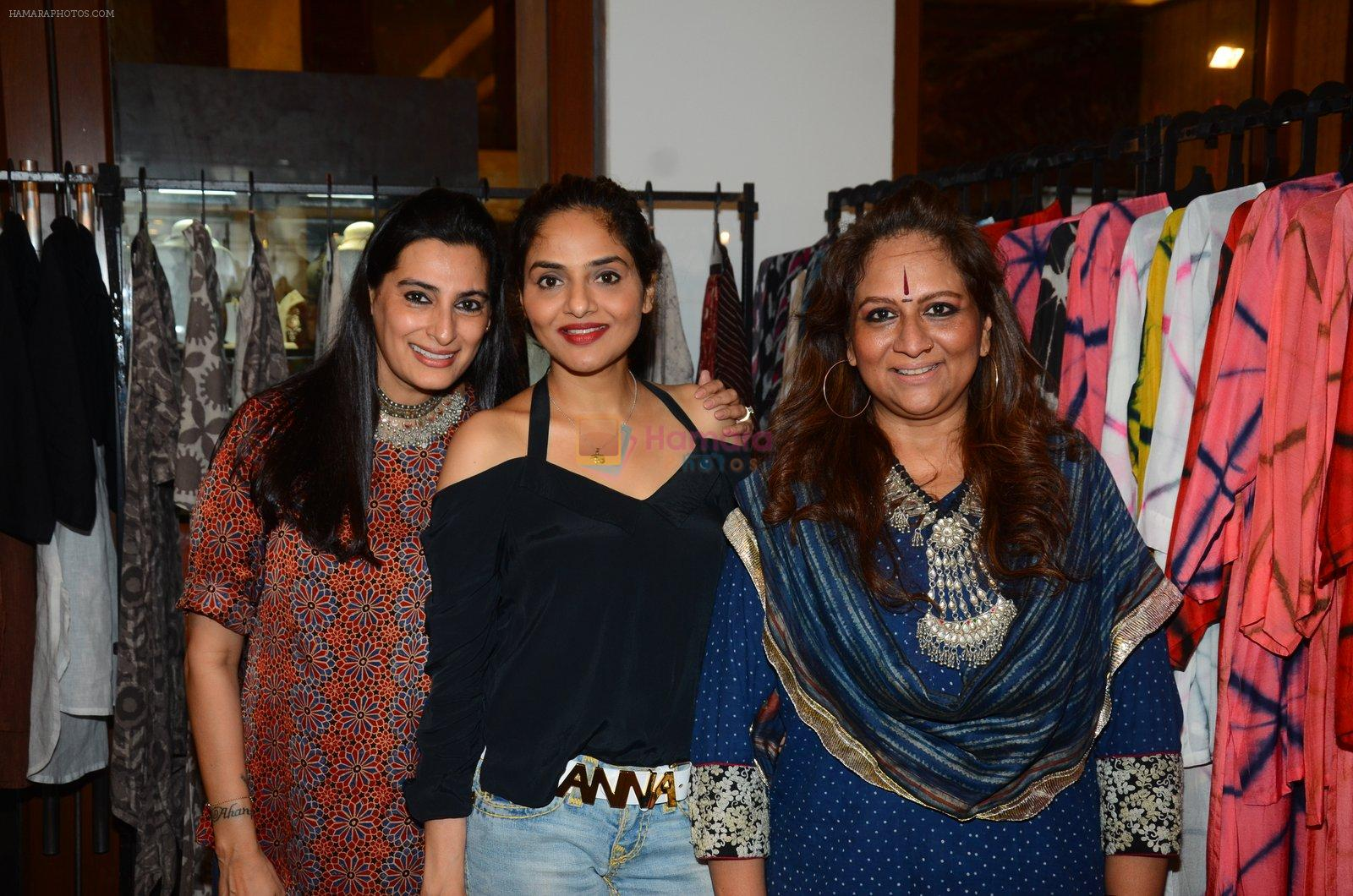 Madhoo at Araish in Mumbai on 4th Oct 2016
