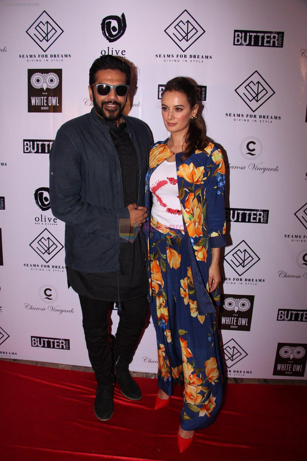Rocky S at Evelyn Sharma host 3rd Garage Sale of Seams for Dreams an Initiative on 4th Oct 2016