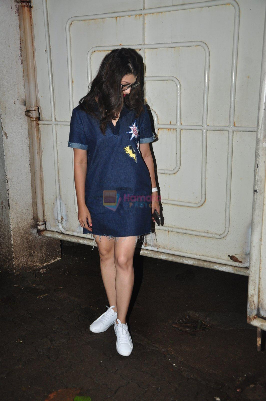 Tejaswini Pandit snapped at a screening on 5th Oct 2016