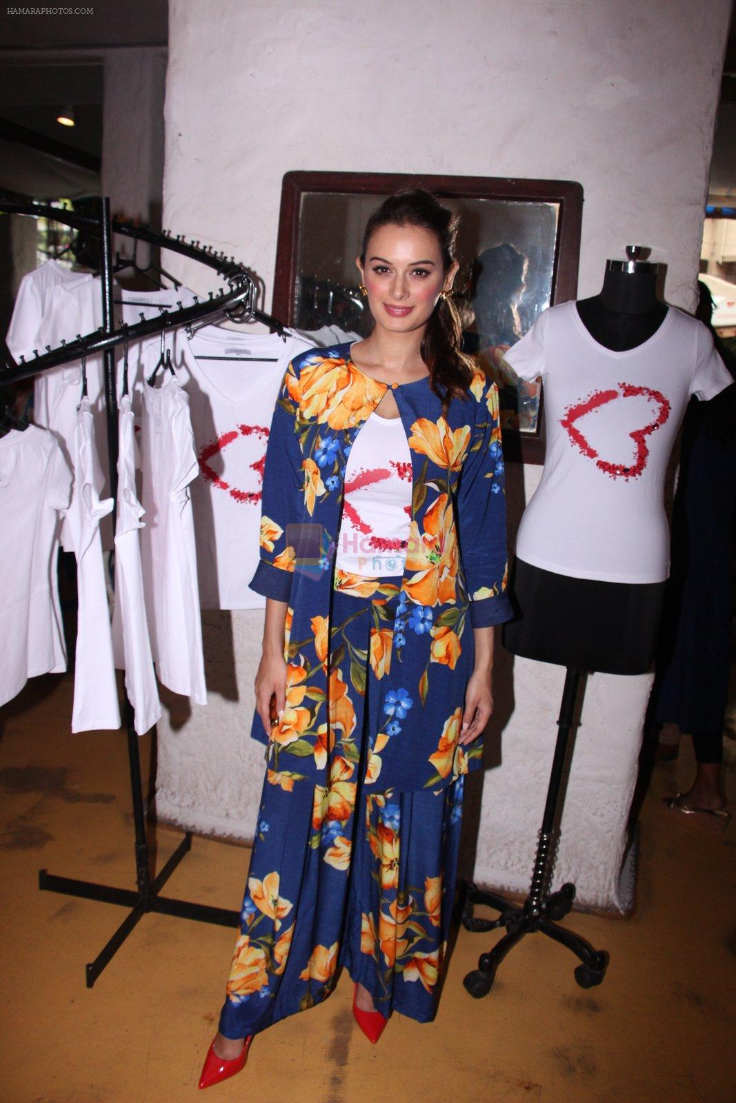 Evelyn Sharma host 3rd Garage Sale of Seams for Dreams an Initiative on 4th Oct 2016