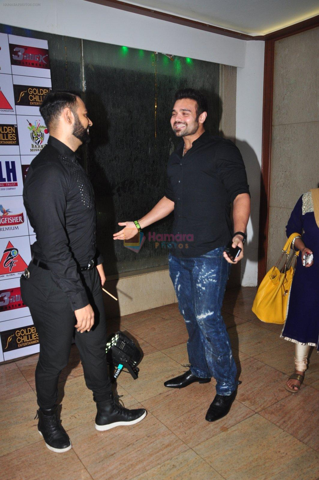 Andy at Kashmira Shah's bash for film Come back to me on 5th Oct 2016