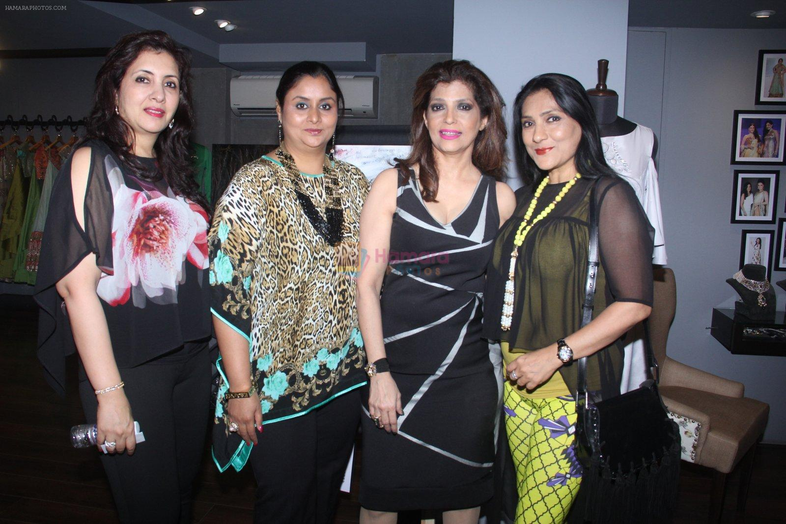 Aarti Surendranath at Amy Billimoria's preview in Mumbai on 4th Oct 2016