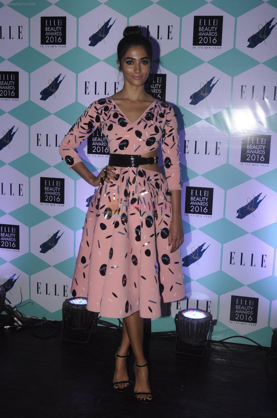 Pooja Hegde at Elle Beauty Awards on 5th Oct 2016