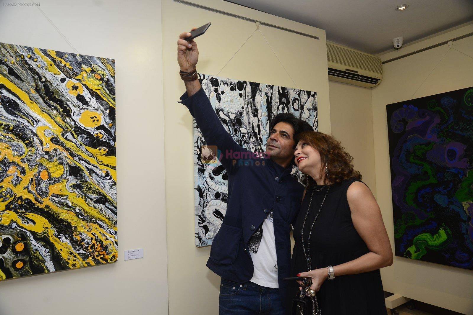 Sunil Grover at Anu Malhotra art exhibition in Mumbai on 5th Oct 2016