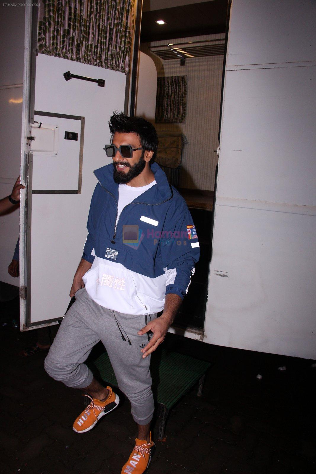 Ranveer Singh snapped at Mehboob on 5th Oct 2016