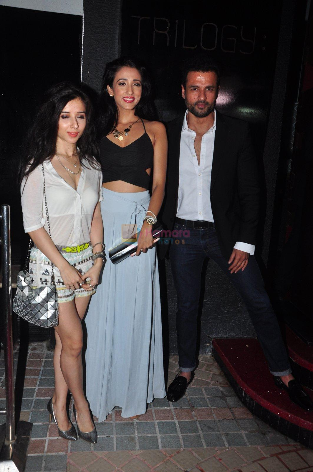 Rohit Roy at Trilogy Bash on 6th Oct 2016