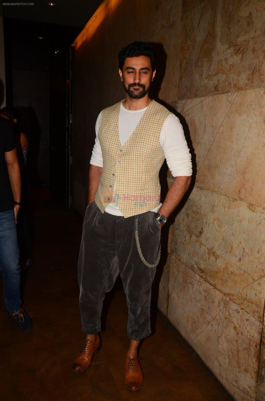 Kunal Kapoor snapped at Mirzya Screening on 6th Oct 2016