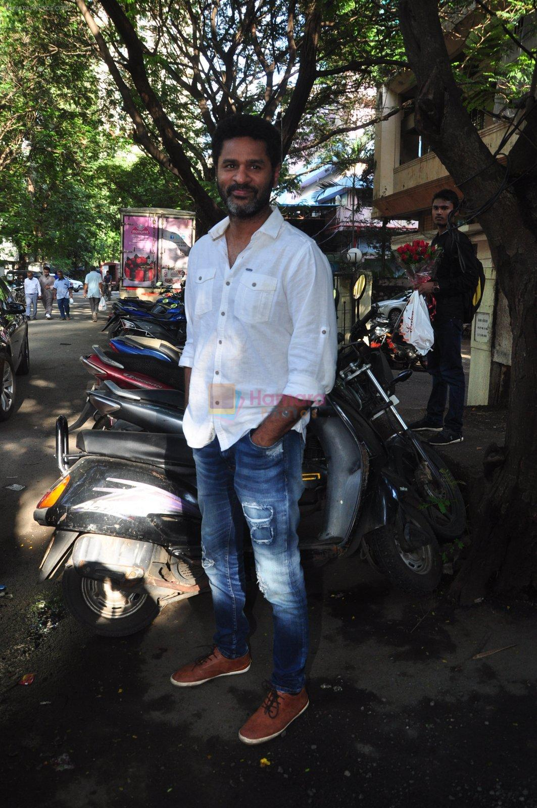 Prabhu Deva snapped in Mumbai on 6th Oct 2016