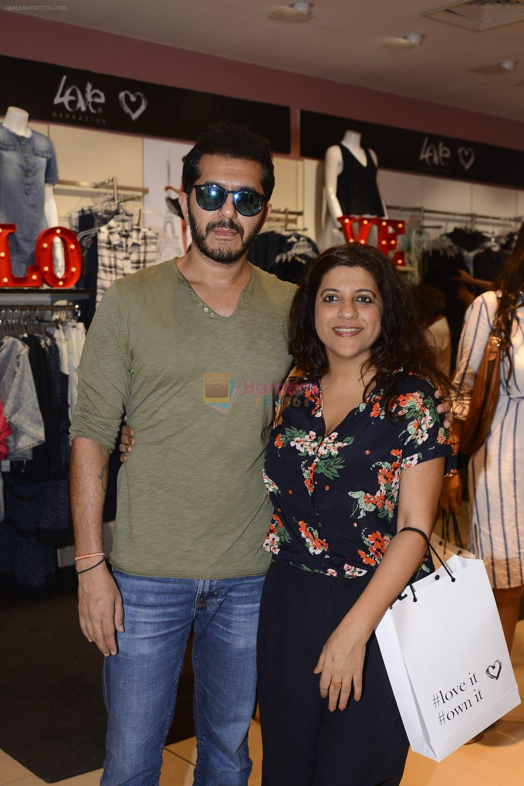 Zoya Akhtar at Love Generation launch at Shoppers Stop on 7th Oct 2016